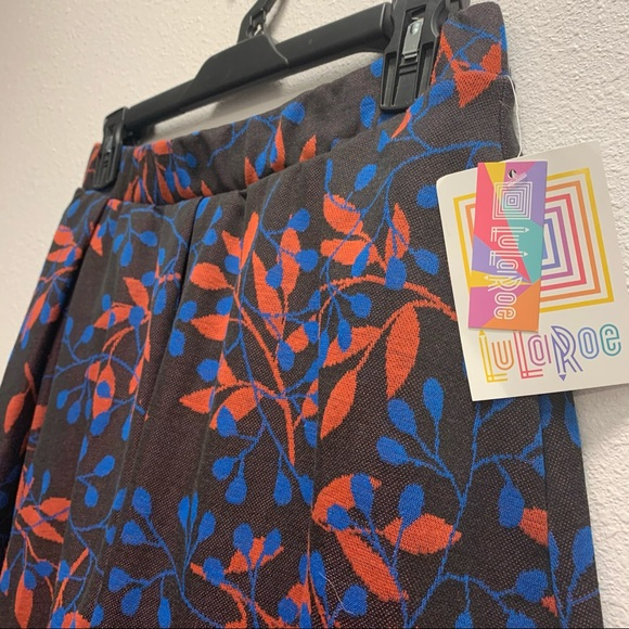 NWT LuLaRoe Women's Skirt